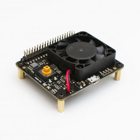 Větrák s řídící deskou a vypínacím tlačítkem pro Raspberry Pi