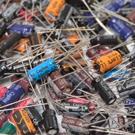 Balení 25 druhů elektrolytických kondenzátorů - 210ks